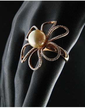 Δαχτυλίδι ροζ χρυσό Κ18 με Διαμάντια & Μαργαριτάρι