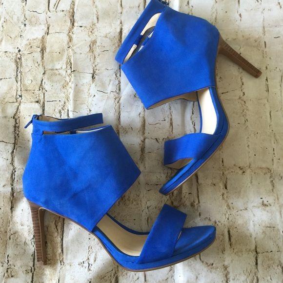 Cobalt blue heels Nwot cobalt blue heel, beautiful suede material , back zipper . Nine West Shoes Heels