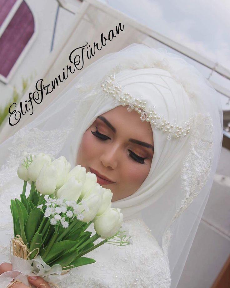 Güzel gelinimle günaydınlar herkese ����❤️ #elifizmirturbantasarim #gelinbasi #elifizmirturban #gelin #izmir #izmirtürban  #izmirturban #izmirturbantasarim #türban #tesettür #tesettürmoda # #hijab #tasarım #tasarim #wedding #gelin #tesettürgelin #tesettürbaşı #gelinbaşı #düğün #kına #nişan #söz #makeup #profesyonelmakyaj #makyaj #mac #kryolan http://turkrazzi.com/ipost/1521605251172722178/?code=BUd0-oEhOYC