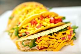 Easy, quick dinner: diabetic recipe for chicken tacos. Includes all nutritional information so that people with type 1 diabetes or type 2 diabetes can make healthy choices and better manage their blood glucose levels.
