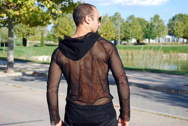 ,#mensfashion #mesh #style #fit #hot #sexy... Sudadera de malla negra camiseta con capucha, Camiseta mangas largas chico, Camiseta Transparente de MixeDesigns en Etsy https://www.etsy.com/es/listing/470796604/sudadera-de-malla-negra-camiseta-con