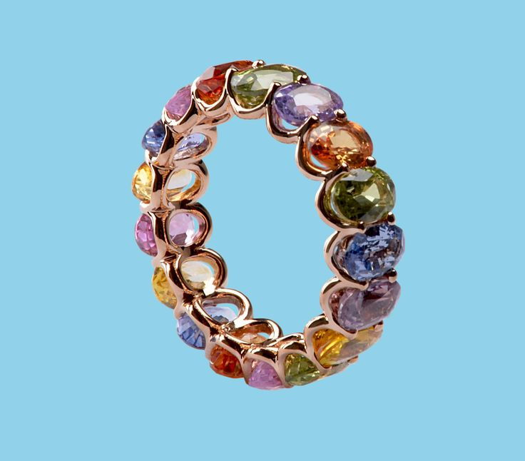 Colorful. Sublime. Lenti Villasco.  Pink gold ring with multicolor sapphires oval cut.