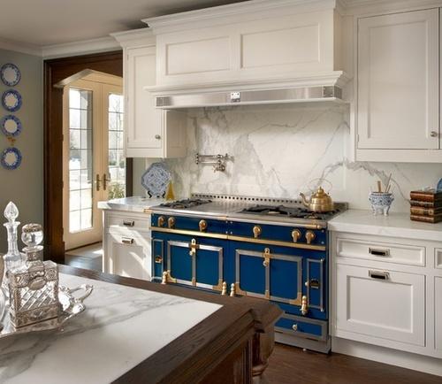 Stove Goals Oubrien Harris Modern French Kitchen With La Cornue Cau Range Paired White Wood Paneled Moderne Decoratie Het