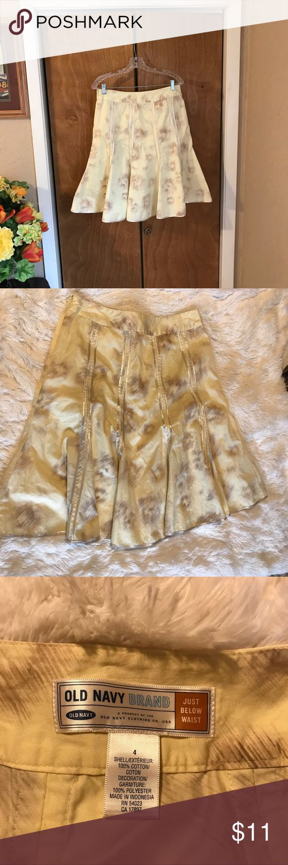 """Old Navy, Just Below The Waist Flair Bottom Skirt Excellent Condition  Shell: 100% Cotton Decoration: 100% Polyester  Measured Flat: Waist 15 1/2""""Length: 24"""" Old Navy Skirts Midi"""