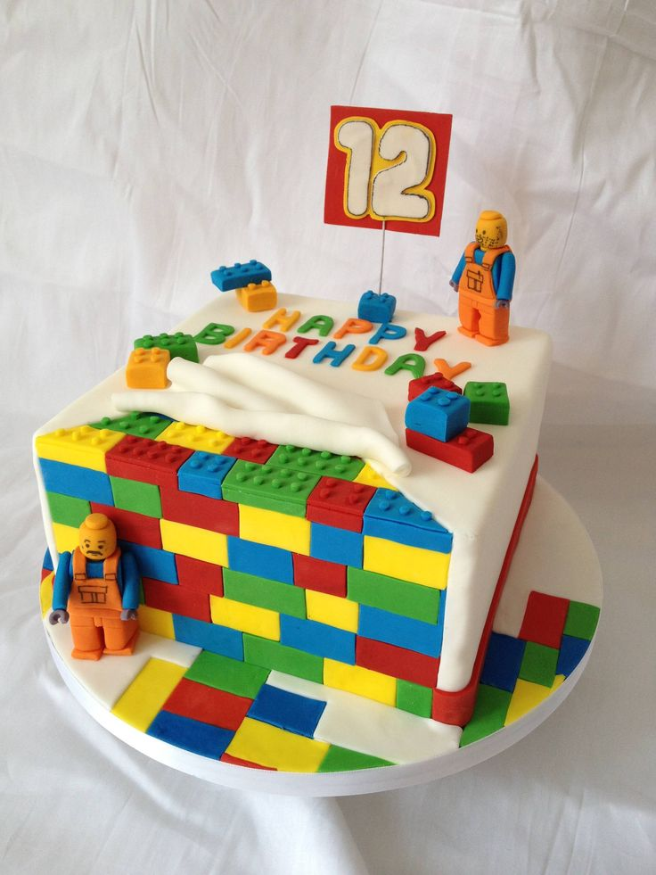such a great idea for a lego birthday cake