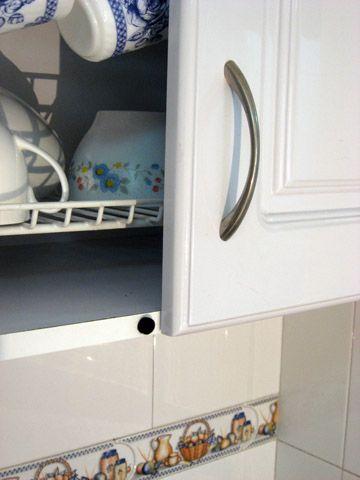 Los topes anti impacto son utilizados para proteger las puertas en su hogar de los golpes al cerrarlas. Se encuentran en dos presentaciones, negro y blanco.