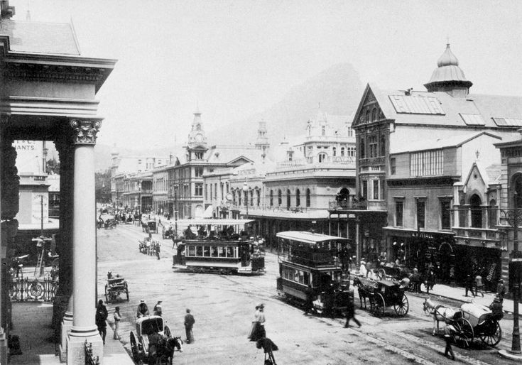 Cape_Town_trams,_Adderley_Street,_ca._1900.jpg (2000×1398)
