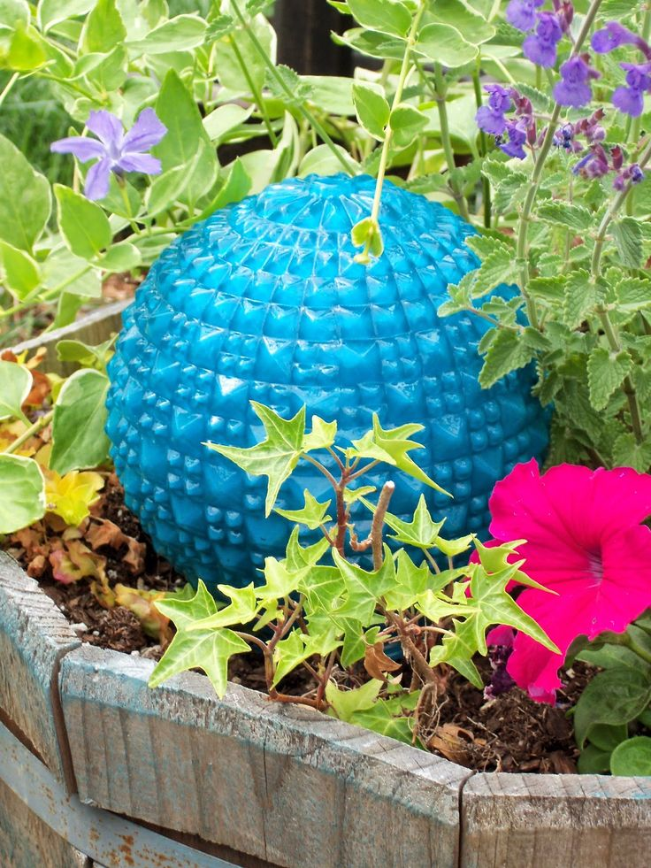 17 Best ideas about Garden Balls on Pinterest Garden globes