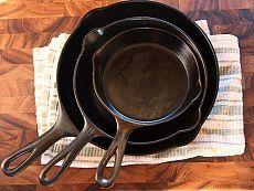 Прощай нагар: 5 эффективных способов, которые помогут очистить любую сковороду / Все для женщины
