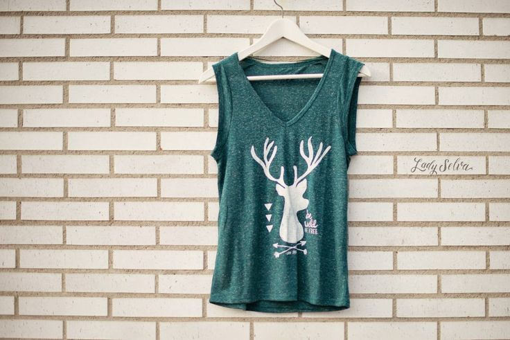 Colección Wild: Camisetas serigrafiadas a mano, Be Wild, Be free. ladyselvashop@gmail.com Made with love.