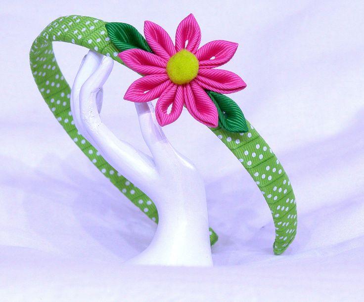Cerchietto verde a pois con fiore kanzashi fuxia : Accessori per capelli di latipadeltappo