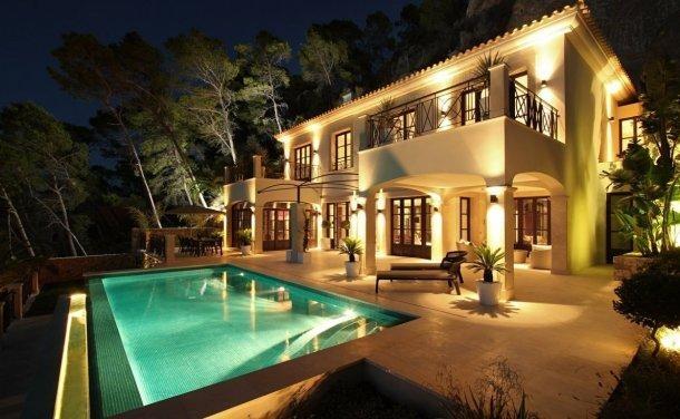 case da sogno: palazzo colonico con patio sul porto (maiorca)