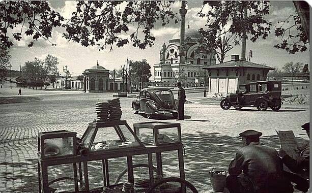 ✿ ❤ Dolmabahçe meydanı 1940 ' lar