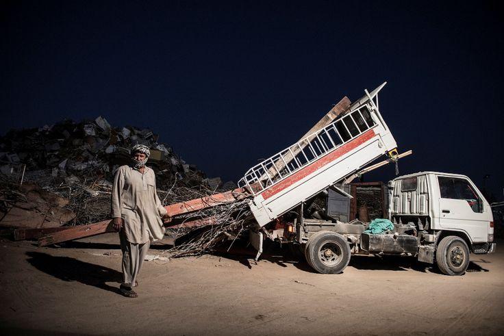 Pakistani worker's night shift - Gulf Region - Photo by Stefanistan