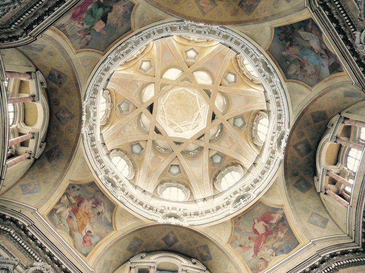 veduta della cupola della chiesa di San Lorenzo, Torino, Italy