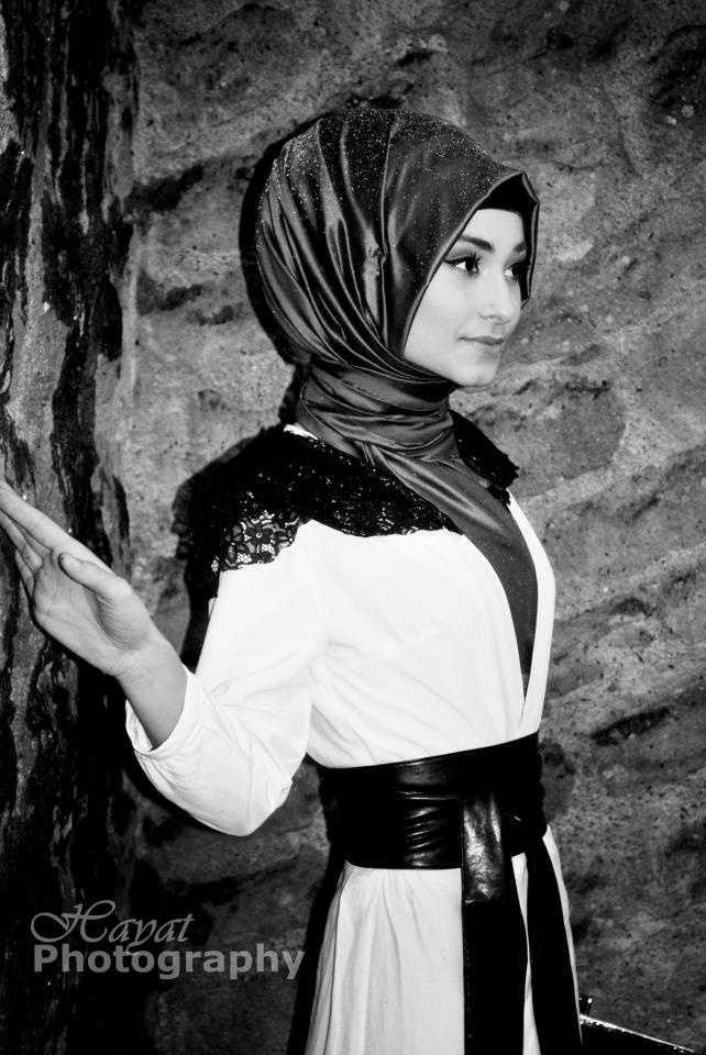 Love her hijab style!