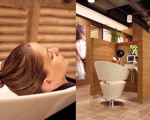 Hair Tips από τη Στέλλα Σουλελέ!  Μυστικά για άψογη λείανση στα μαλλιά σου: * Ανάμειξε στην παλάμη σου ζελ PHYTODEFRISANT με ορό PHYTOLISSE και εφάρμοσε σε νωπά μαλλιά για εξαιρετική πειθαρχία και λάμψη. * Λίγες σταγόνες ορού PHYTOLISSE σε στεγνά μαλλιά προσφέρουν ακόμα περισσότερη λάμψη και λείανση που διαρκεί όλη μέρα. (photo © nuok.it - at Phyto Universe, New York)