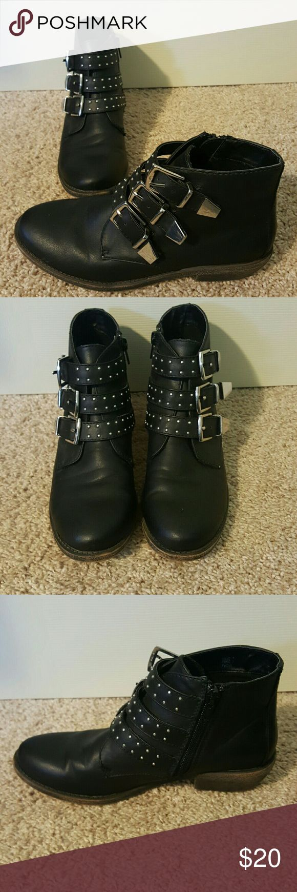 Report Black Buckle Ankle Boots Size 7 Studded Report Black Buckle Boots Size 7 Studded, Great Condition! Hardly Worn! Bundle 2 and save 20%!! Report Shoes Ankle Boots & Booties