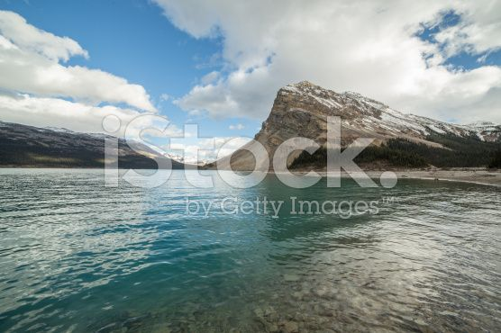 Spectacular lake and mountain scenery at Bow lake royalty-free stock photo
