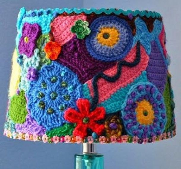 A great idea for revamping a boring or old lampshade into something unique. FOUND on Barbara Seidman - Stuff I want to make board. So many pretties there :)