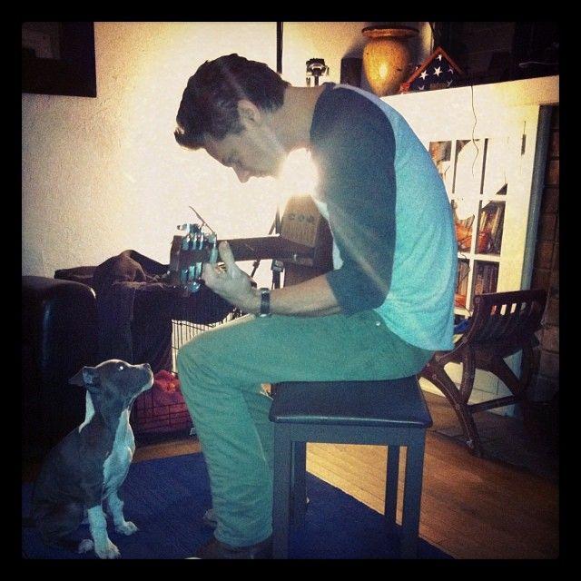 meepingmeepers:  Jacob serenades a helpless puppy.