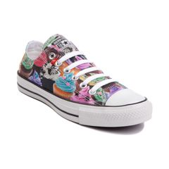 Converse All Star Lo Cupcakes Sneaker.        I WANT THESE!!!