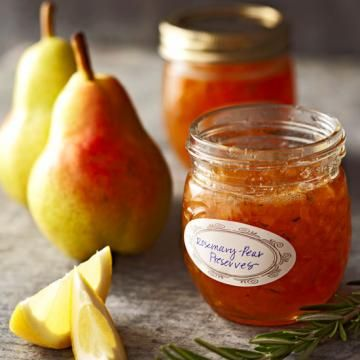 Step-by-step tutorial (with photos!) for canning pears, and 3 scrumptious preserve recipes to try! | Living the Country Life | http://www.livingthecountrylife.com/canning-pears/