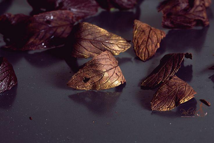 chocolate mint leaf