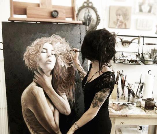 """""""No intentes nunca ser artista. Sencillamente haz tu trabajo y si tu trabajo es auténtico se convertirá en arte"""".  Cindy Sherman."""