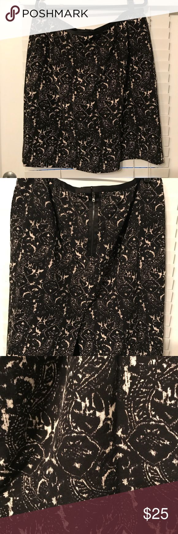 "Talbot's Women's pencil skirt - Plus Size Black and tan pencil skirt. Fully lined with back zipper.  24"" length Talbots Skirts Pencil"