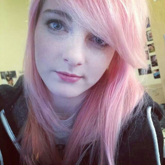 Ldshadowlady and her amazing pink hair.