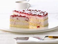 Quarkcreme-Torte mit Preiselbeeren ist ein Rezept mit frischen Zutaten aus der Kategorie Torten. Probieren Sie dieses und weitere Rezepte von EAT SMARTER!