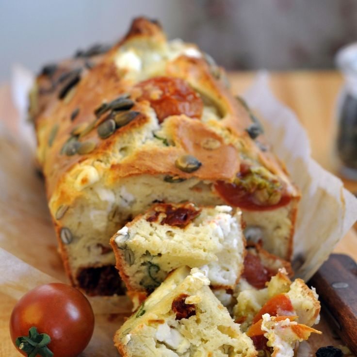 Simple but delicious flavours, this Feta And Tomato Loaf Recipe is a great addition to any picnic or side dish at a dinner party.