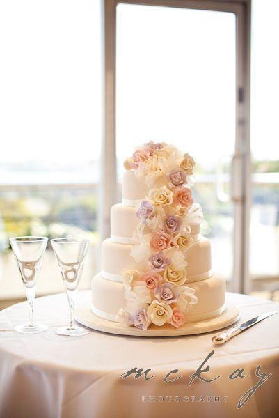 Lovely floral wedding cake