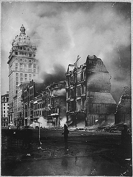 A picture of buildings on fire on Market Street, after the 1906 San Francisco earthquake.