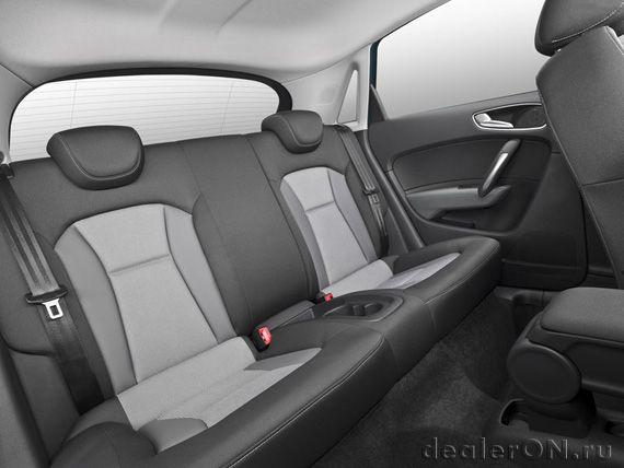 Задняя часть салона  Ауди А1 Спортбэк 2015 / Audi A1 Sportback 2015