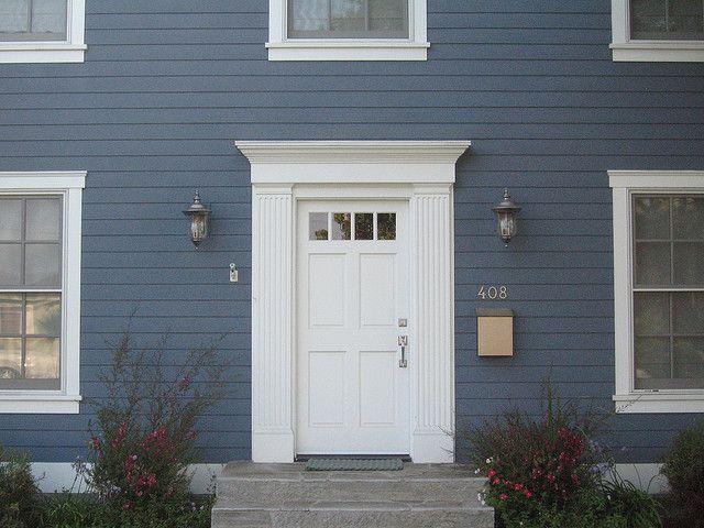 Front door molding