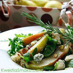 Sałatka z gruszkami, gorgonzolą i pistacjami