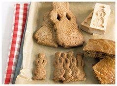 Heerlijke speculaasjes horen bij deze tijd van het jaar. Je bakt ze eenvoudig zelf met behulp van ons lekkere recept! Je bekijkt die hier: www.xenos.nl/recepten/hollandse-speculaas