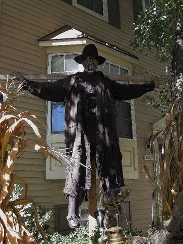 279 best HALLOWEEN images on Pinterest Make up looks, Artistic - large outdoor halloween decorations