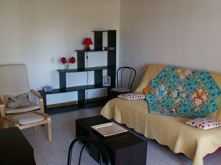 Location vacances appartement La Rochelle: Coin salon avec un clic clac pour 2 couchages.