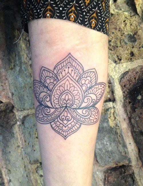 Mehndi Lotus Flower Tattoo : Best images about lotus dotwork mandala on pinterest