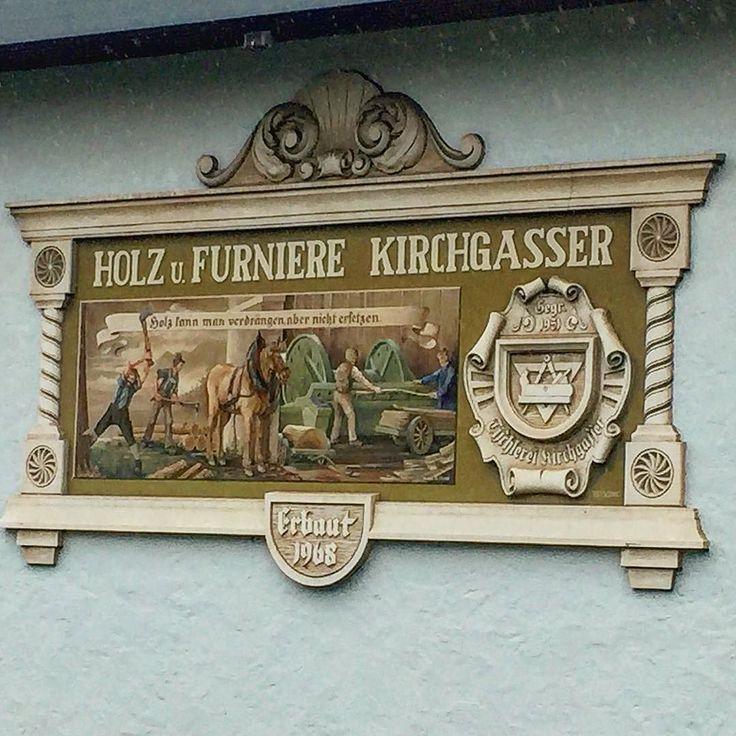 Вот что в Австрии  мне очень нравится  это вывески  Почти на каждом здании они в таком стиле   #этожизнь #лето #путешествие #август #2016 #summer #travel #traveling #reisen #followme #photoart #австрия #зальцбург #austrian #salzburg