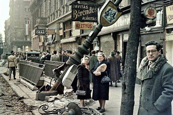1956. Az Astoriánál