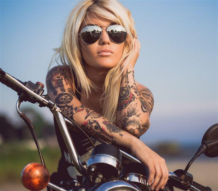 Bike, Girls, Tattoo And Heavy Metal : Photo