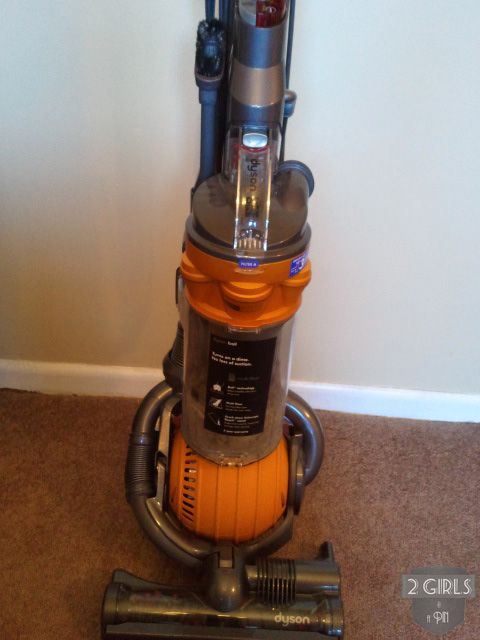2girlsandapin Cleaning a Dyson - I really should do this!!!