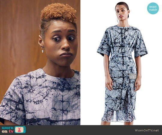 Issa's marbled print dress on Insecure.  Outfit Details: https://wornontv.net/78146/ #Insecure