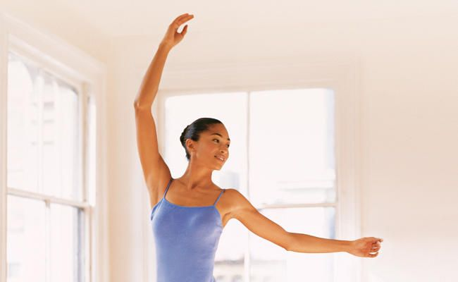 Get A Dancer's Body With This Ballet-Inspired Workout  http://www.prevention.com/fitness/dancers-body-workout-prevention?cid=soc_Prevention%2520Magazine%2520-%2520preventionmagazine_FBPAGE_Prevention__
