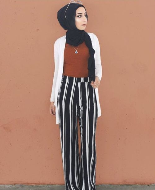 striped palazzo pants with hijab- Hijab fashion magazine http://www.justtrendygirls.com/hijab-fashion-magazine/