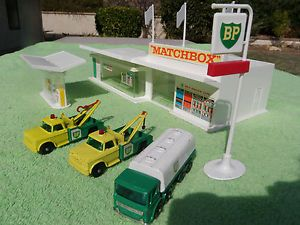 "0ld mathbox gas station | Details about Vintage Matchbox car BP Gas Station and ""Build a Road ..."